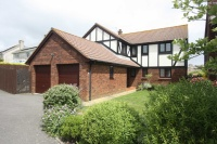 Detached house in Whitecross Drive...