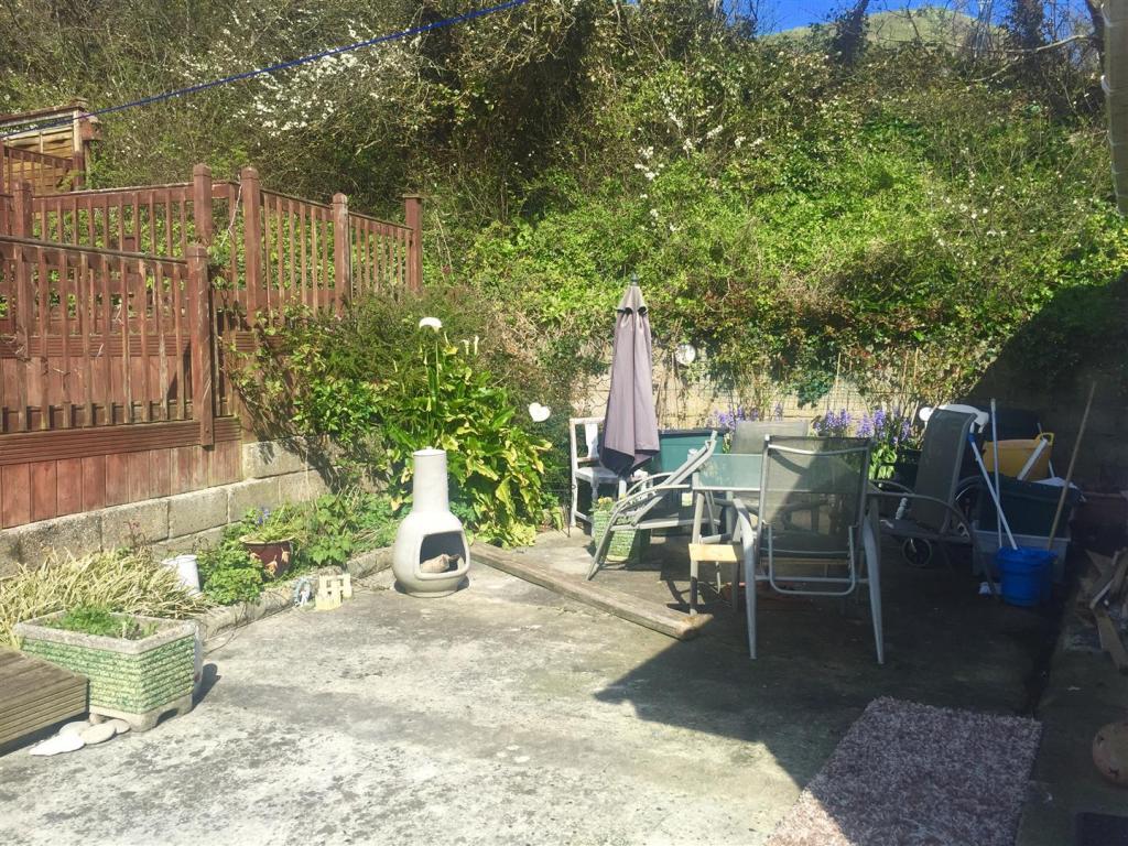 st garden.jpg