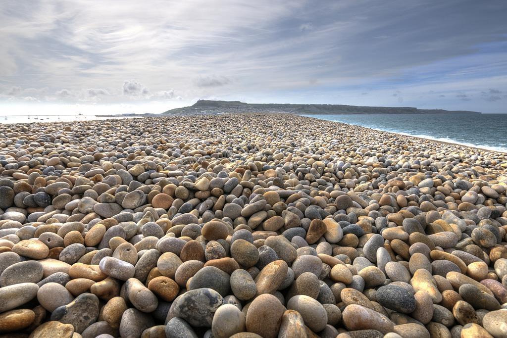 chesil beach.jpg