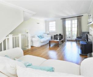 photo of white den loft conversion
