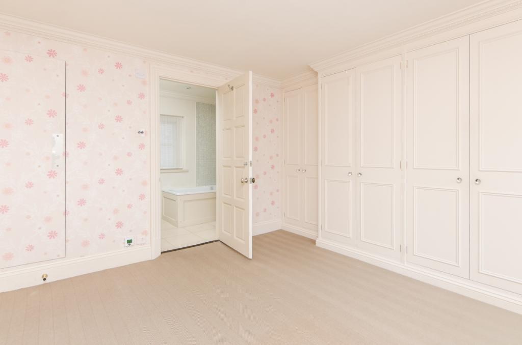 Bedroom 2 with En...