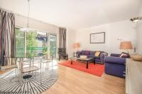 Apartment to rent in Millennium Square, LONDON