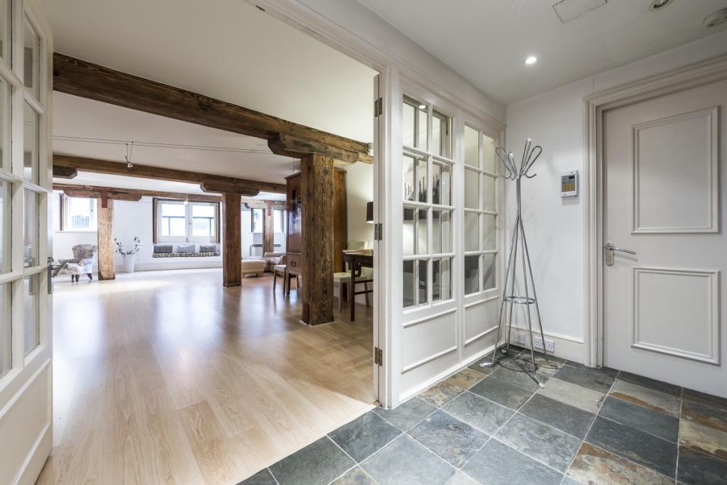 Hallway/Reception