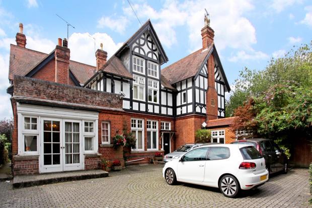 Essex Lodge 15216...