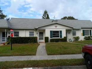Town House in Florida, Pinellas County...