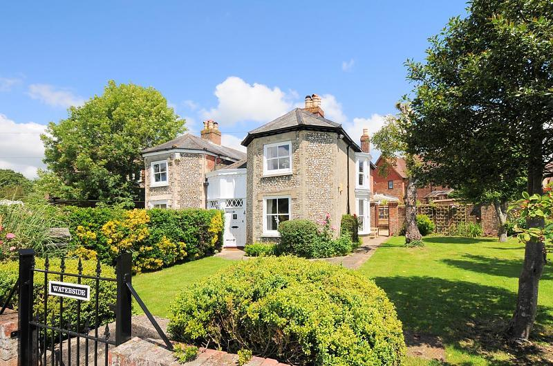 2 bedroom semi detached house for sale in lumley road