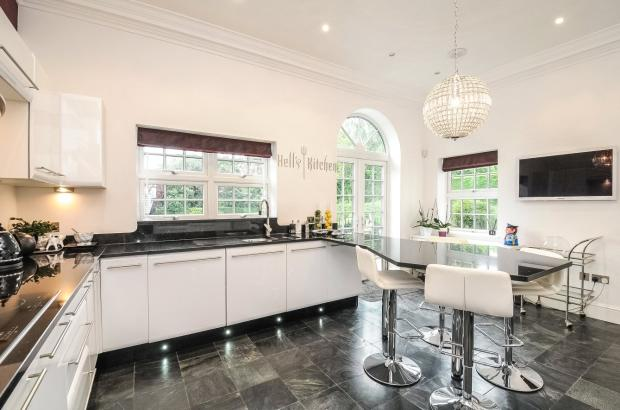 5 bedroom detached house for sale in pyket way weston favell village northampton nn3 for Weston favell academy swimming pool