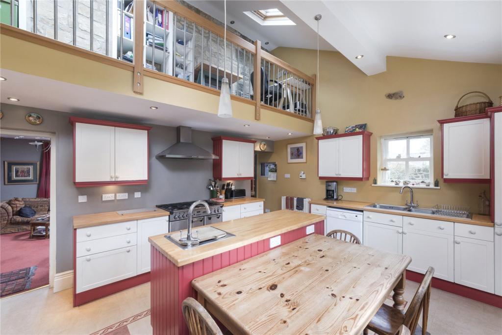 Kitchen/Mezzanine