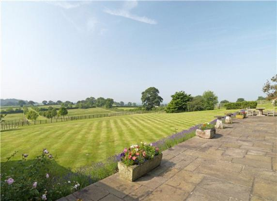 6 Bedroom Equestrian Facility For Sale In Quarry Bank