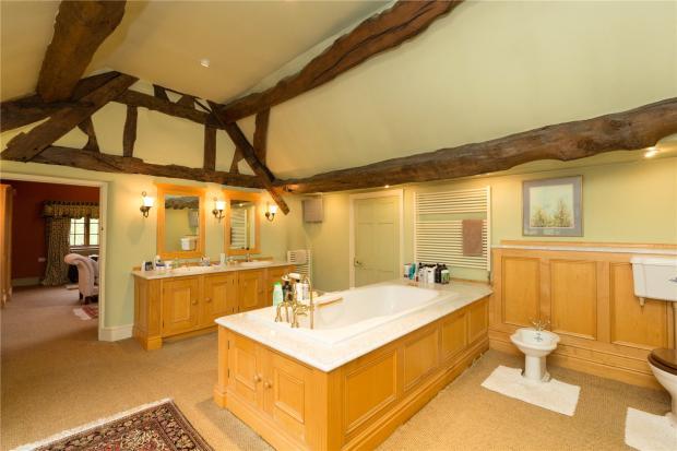 Tudor Suite Bathroom
