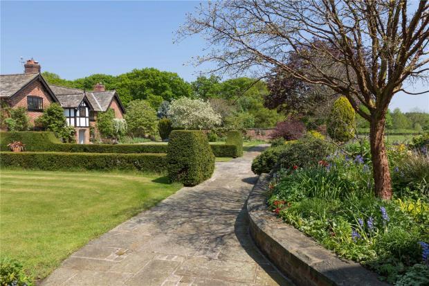 Front & Side Garden