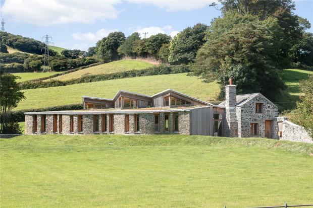 3 Bedroom Detached House For Sale In Ivybridge Road