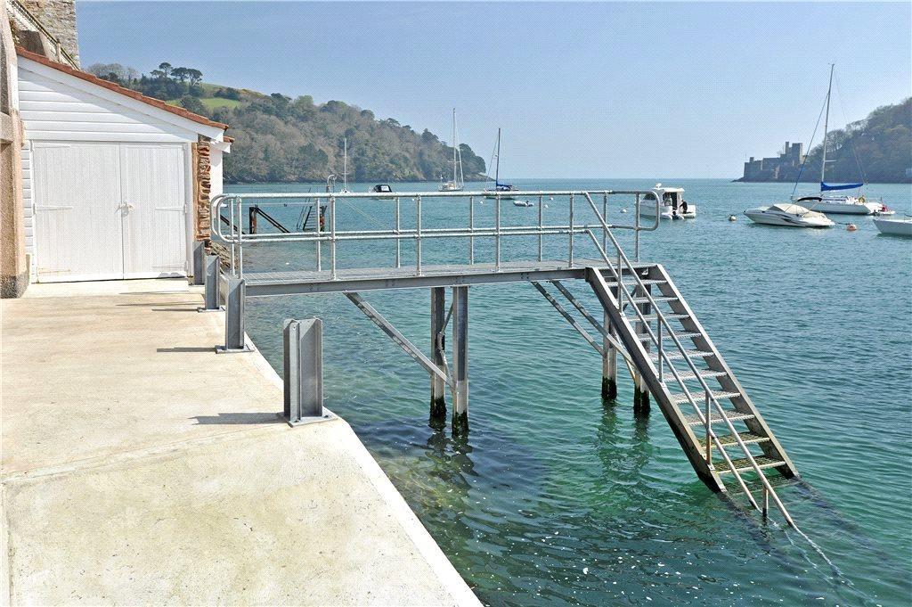Jetty & Boathouse