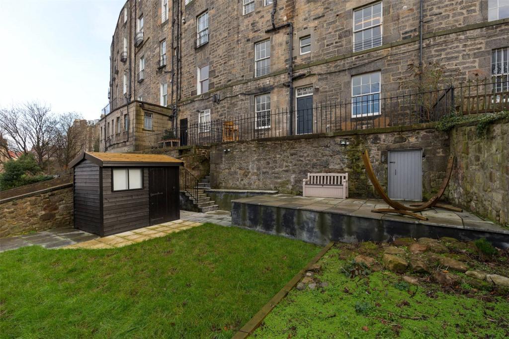 4 bedroom flat for sale in claremont crescent edinburgh eh7 for Garden shed edinburgh sale