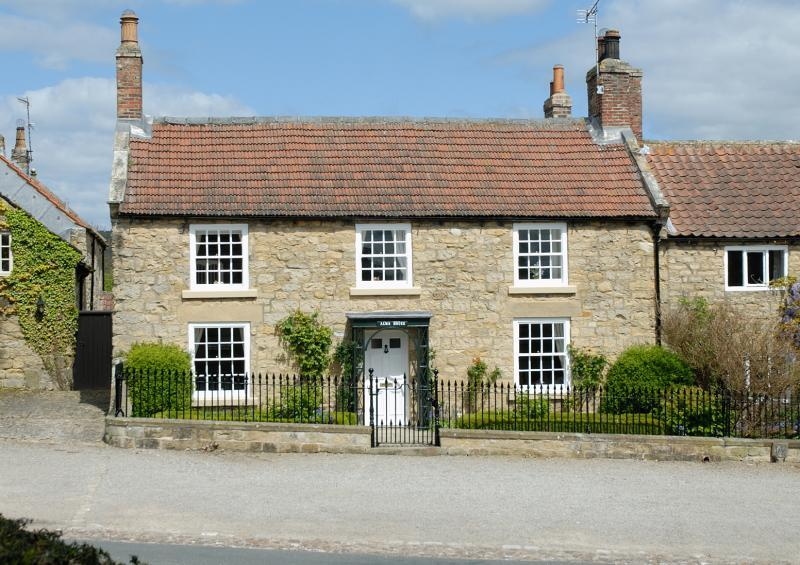 3 bedroom semi detached house for sale in coxwold york for Alma terrace york