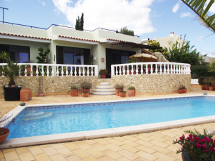 Detached Villa for sale in Algarve, Alvor