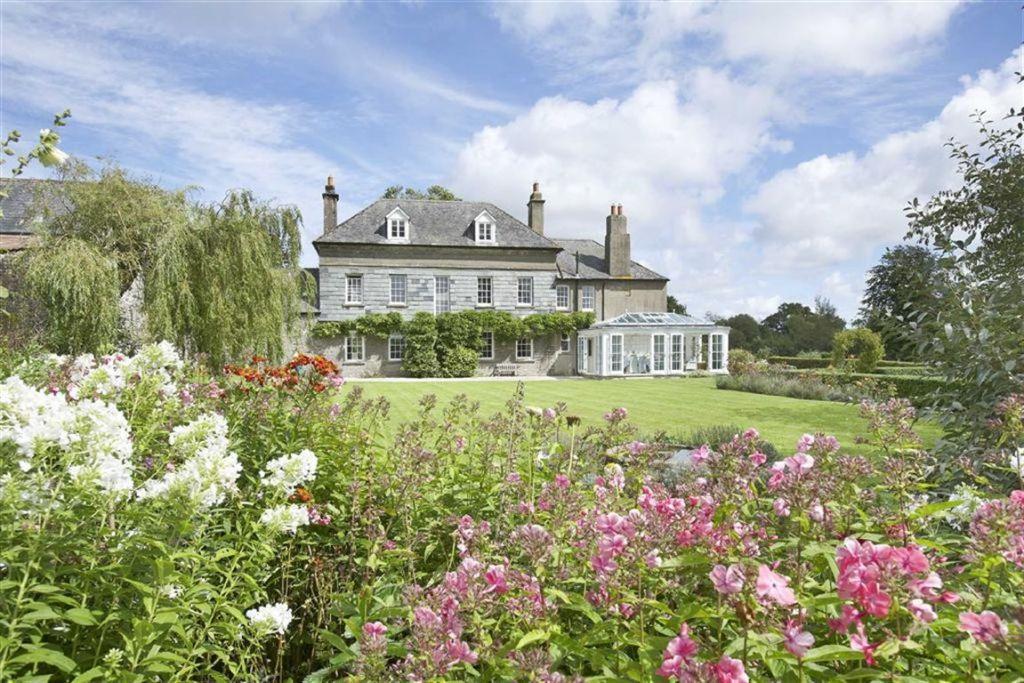 Properties For Sale In Broadhempston Devon