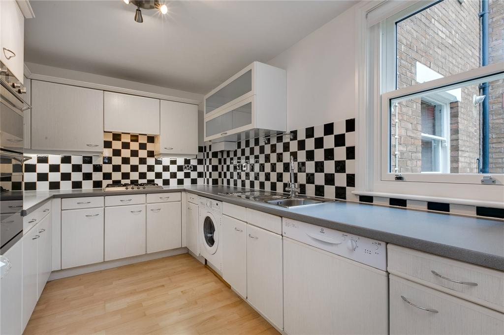 2 Bedroom Mews House To Rent In Marryat Square Wyfold Road London Sw6