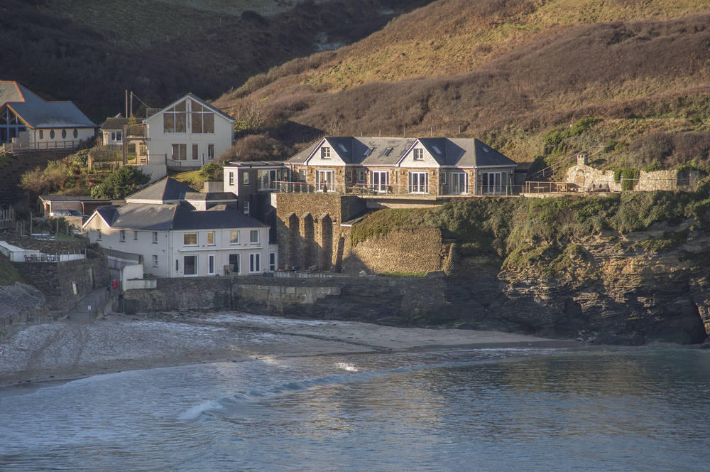 7 Bedroom House For Sale In Smugglers Cove Cornwall Tr16