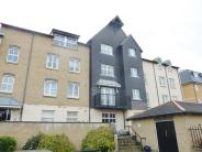 2 bedroom Flat in Admiralty Court...