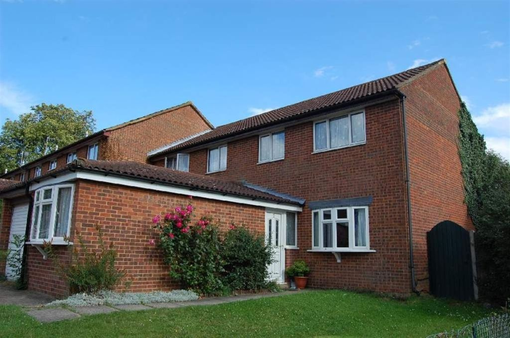 3 bedroom house for sale in redwood rise borehamwood wd6