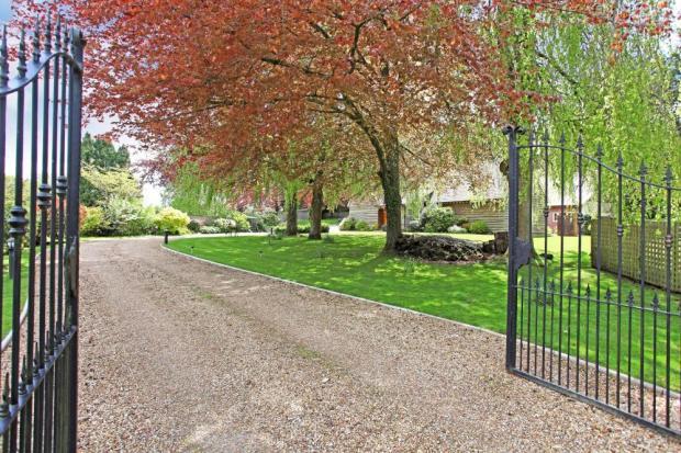 Main gates to driveway