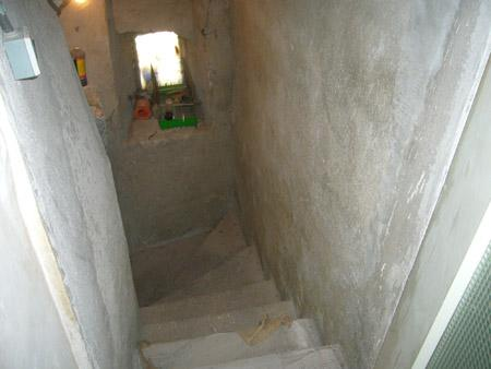 Lower staircase