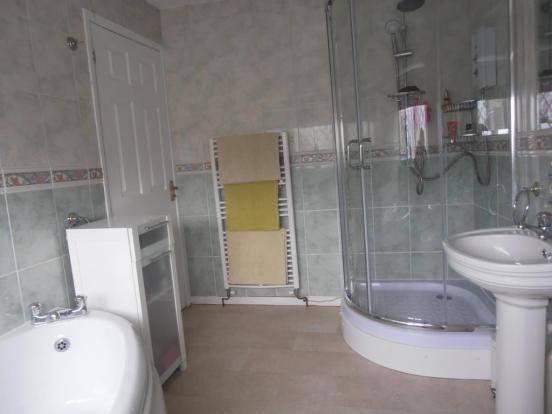 a-cardiffrd108.bath1