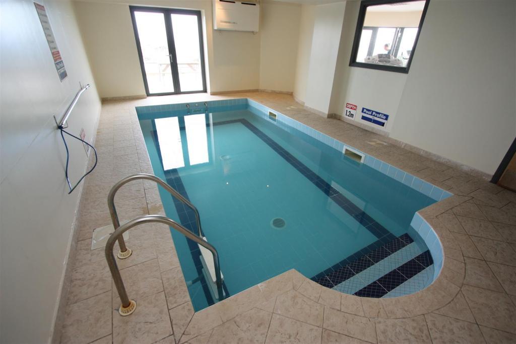 25 Horizons Pool
