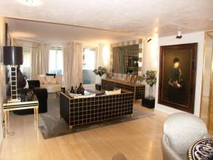 3 bedroom Apartment in St Andr�, Golden Square
