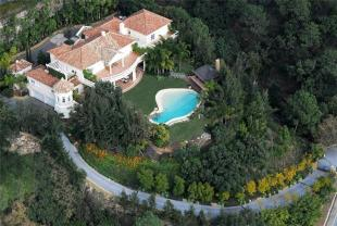 6 bedroom home for sale in La Zagaleta, Benahavis...