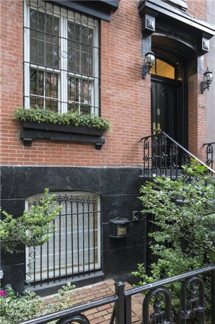 4 bedroom Town House for sale in East 74th St, New York