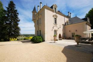 Chinon house for sale