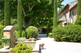 Country House for sale in Mas Des Colombes...