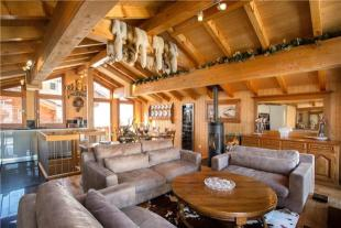3 bedroom property for sale in Chalet Stirling...