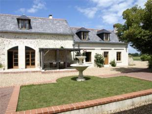6 bed Country House for sale in Restored Farmhouse &...