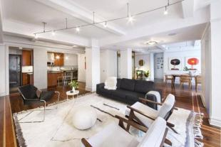 3 bedroom Apartment in 310 West 72nd Street...
