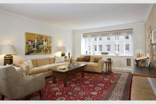 Apartment in 140 East 72nd Street, 5C...