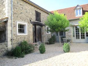 4 bedroom property for sale in Near Sauveterre de Bearn...
