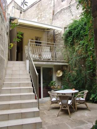 2 bed Town House for sale in Saint Remy de Provence...
