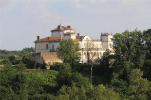 11 bed property for sale in 18th Century Chateau...
