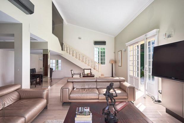 Doble Living Room