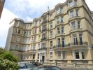 2 bedroom Flat in Grand Avenue, Hove