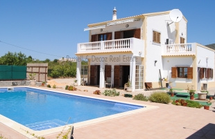 5 bed Villa in Algarve, Moncarapacho