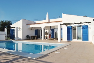3 bed Detached Villa for sale in Algarve, Moncarapacho