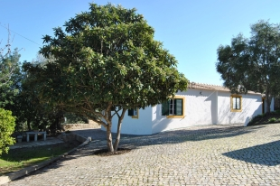 2 bedroom Detached Villa for sale in Algarve, Est�i