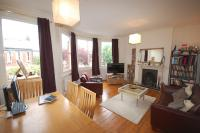 Flat to rent in Manor Road, Bowes Park...