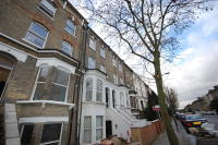 Flat in Fonthill Road Finsbury...