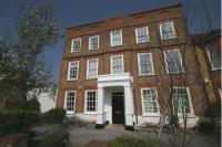 2 bed Ground Flat to rent in Bridge Road, Chertsey...