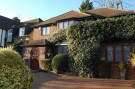 4 bed Detached house in Chestnut Avenue, Edgware...